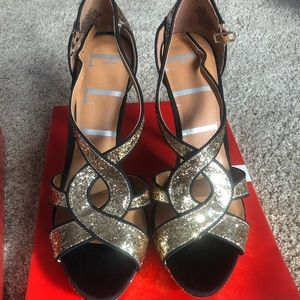Elle gold glitter high heals